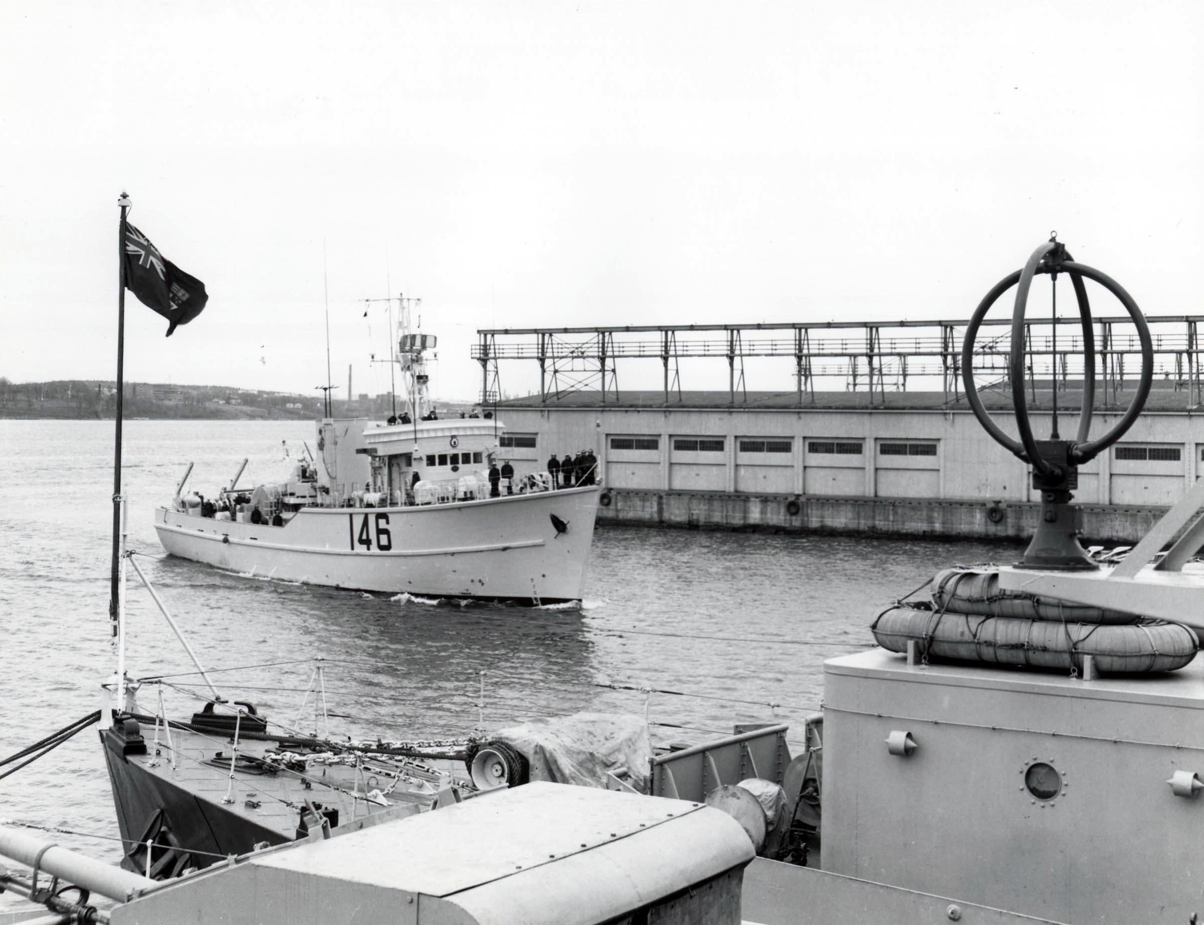 HMCS COMOX (2nd)